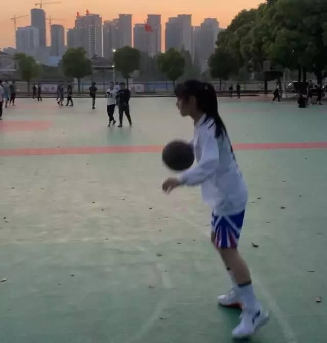 沉迷篮球的你,曾经疯狂到什么程度?