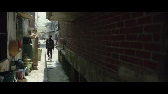 韩国a电影金棕榈电影《寄生虫》男主:进门的一瞬间他惊了猫和老鼠电影视频在线观看爱奇艺大全图片