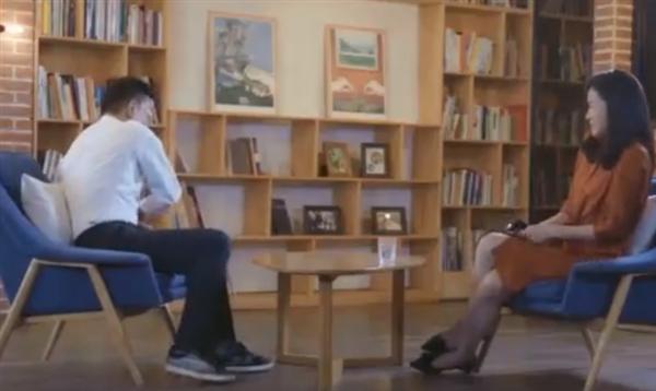逼宫 李国庆采访中怒摔水杯:被老婆逼宫赶出了当当