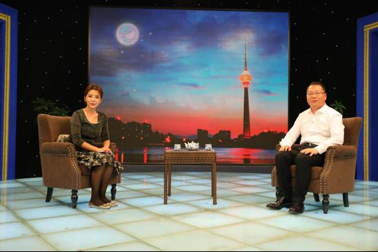 央视朱迅对话毛金明:中博教育