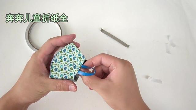 折纸动物,兔子是怎么折出来的,手工折纸视频教程