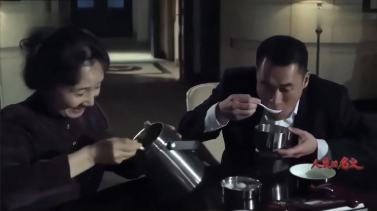 人民的名义:赵东来又被盯上了,这回亦可妈不送饺子,竟改送汤圆