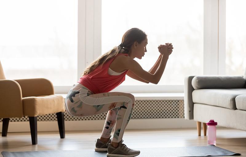 一个黄金健身动作,让男人变强壮,让女人变性感!