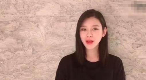 奚梦瑶晒自拍名模范十足,网友关注点却都在她的脖子
