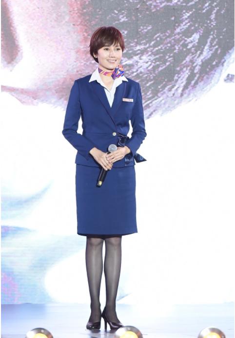 《中国机长》首映礼,袁泉李沁张天爱三大花旦同框争艳,谁赢了
