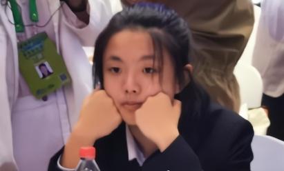 """15岁女蝉联科学家 连续两次参加""""全球最强大脑""""的聚会"""