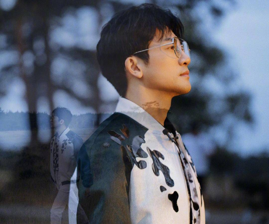 喻恩泰双料博士,李健受北清争抢,他不靠学习靠音乐获北大青睐?