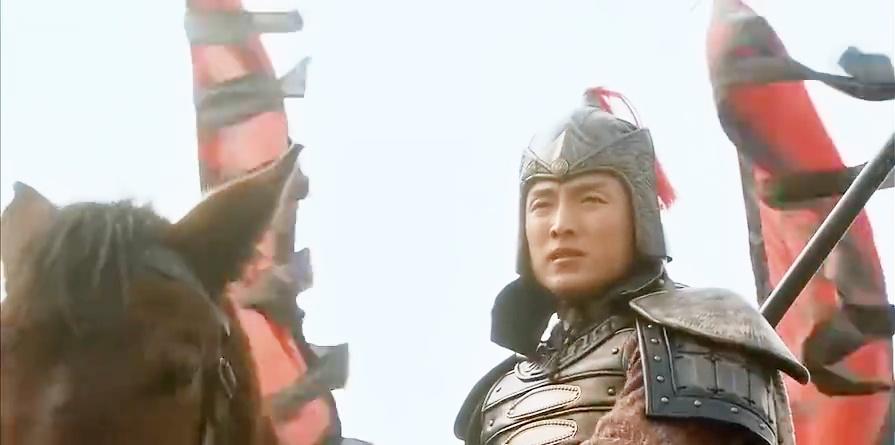 薛丁山:先锋罗章大战杨藩,几招杨藩就败下阵来,吓的