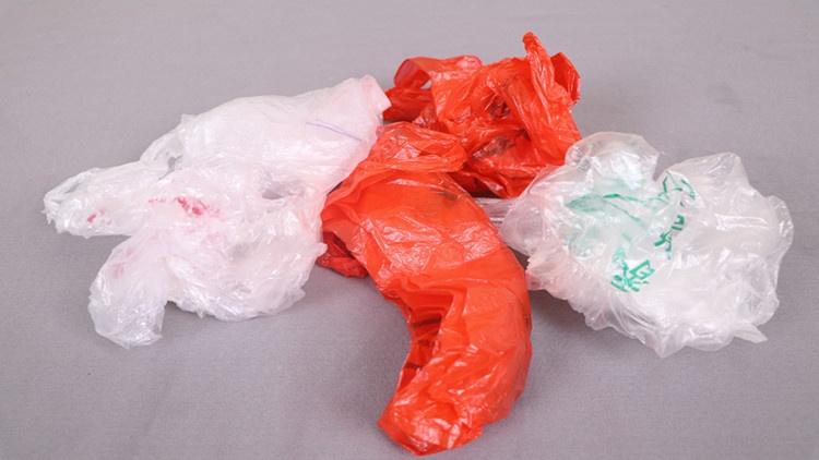 家里塑料袋乱七八糟,教你正确收纳方法,整整齐齐一年不买垃圾袋