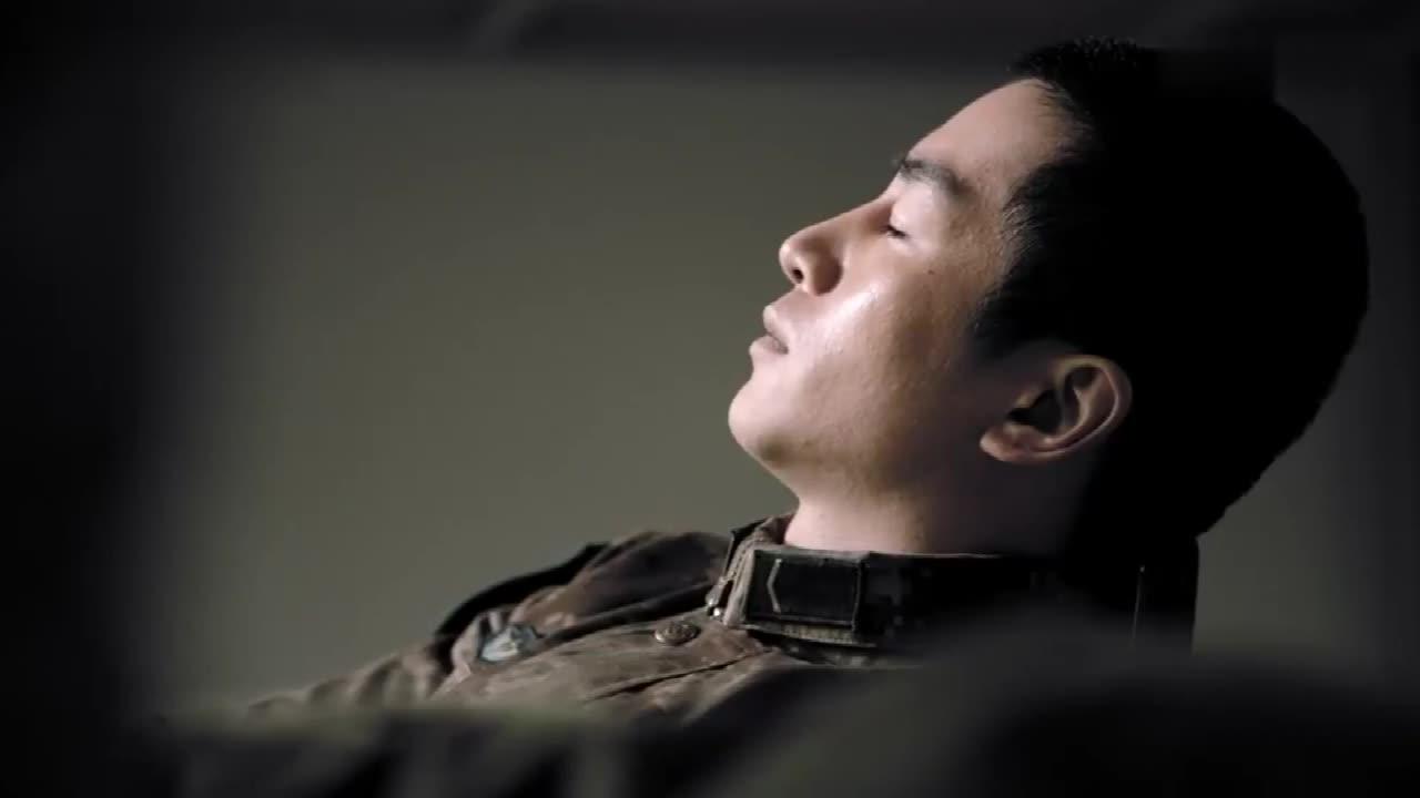 陆战之王:新兵故意不出早操,想退兵回家,班长做法暖心了