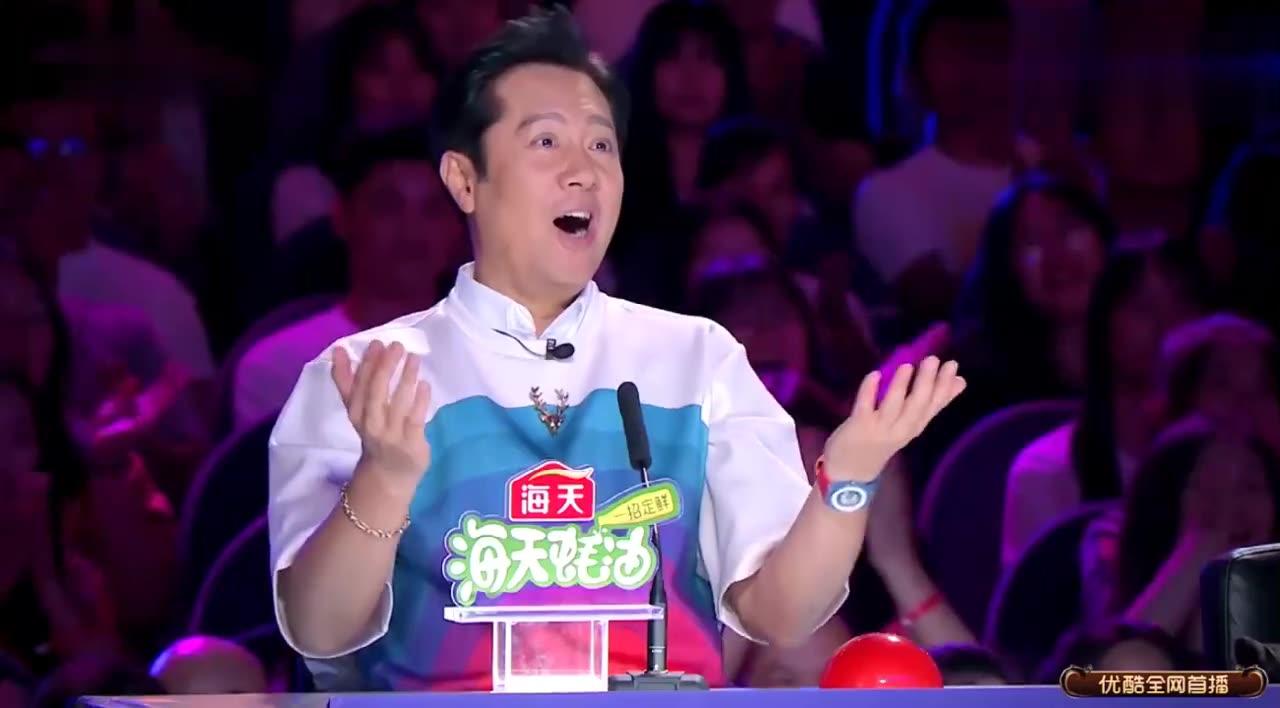 达人秀:醉汉上台演杂技?怎料一开场惊艳全场,太不一样的表演了
