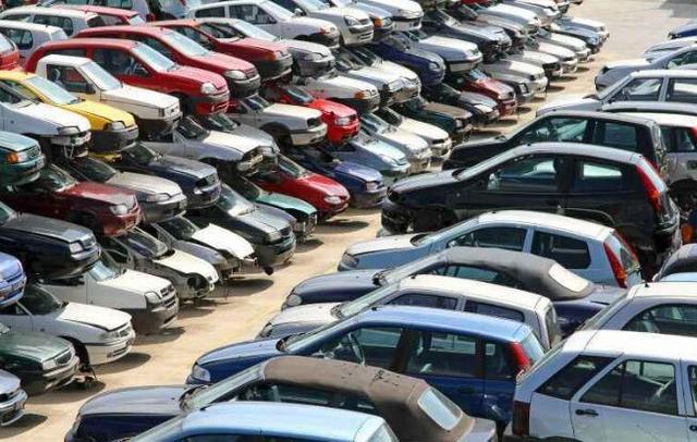 明明车辆报废有补贴,为什么车主宁愿扔在路边,也不拉去报废?