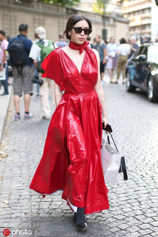 Choker烂大街?项链太老土?现在Choker裙正当红!