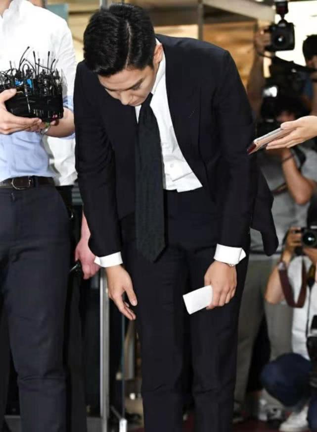 """T.O.P吸毒退伍后被网友骂滚出娱乐圈,回复称""""没有复出打算"""""""