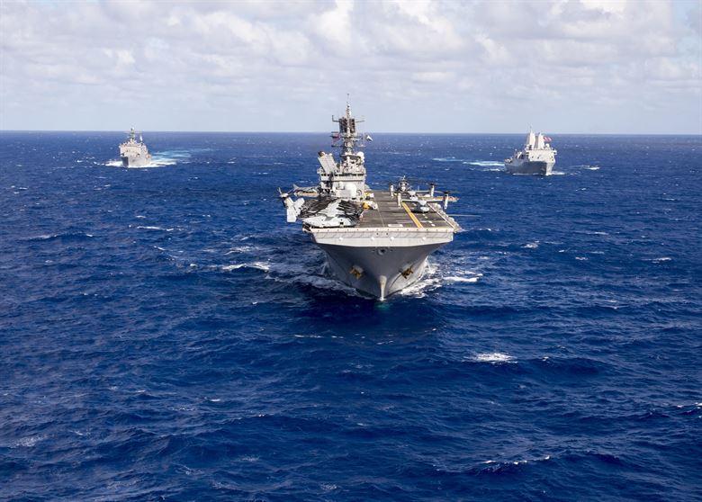 """075舰下水了,""""中国的F-35B""""还很遥远"""