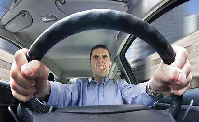 夏天怎么开车才更省油?新手司机值得一看