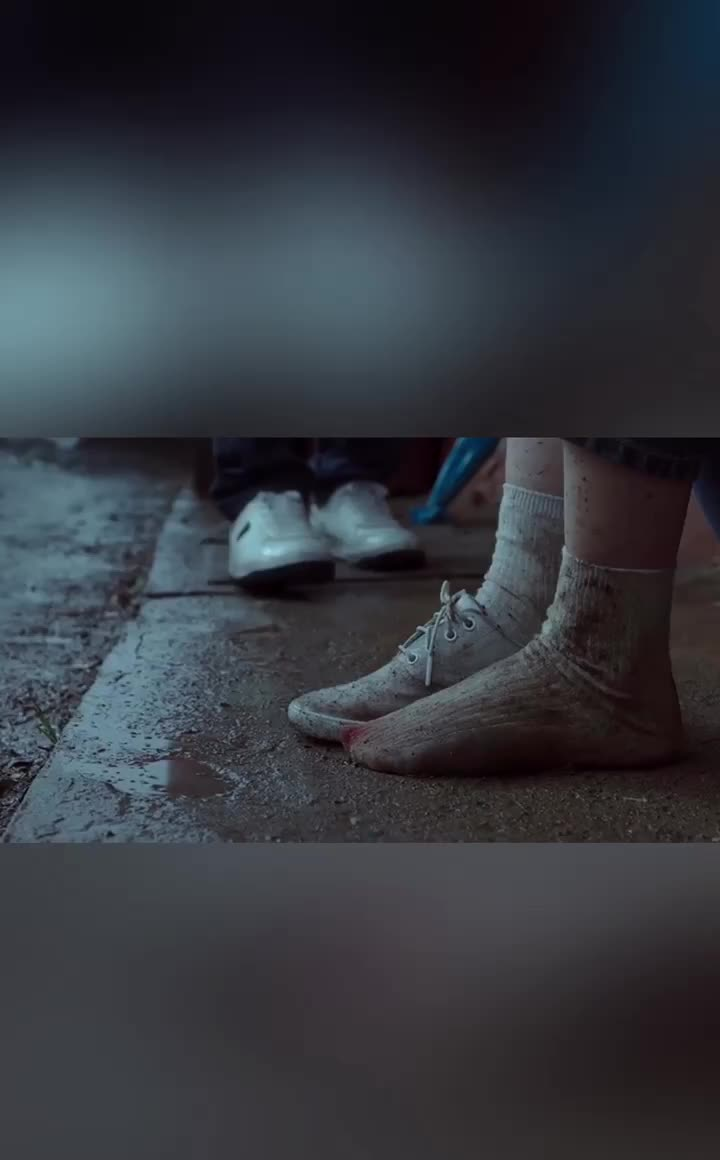 河正宇的这部灾难电影看完凉飕飕的,从此影视箱介绍水.中传电影院车尾备足图片