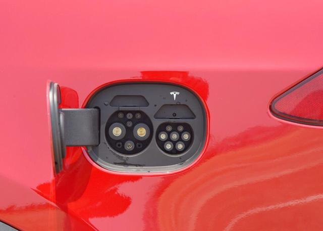 政策支持将助力燃油车退出市场,纯电动和氢能车将分庭抗礼?