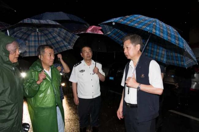 【moonmagnet】_安徽白湖监狱东大圩开闸蓄洪,6.8万余亩耕地将被淹没