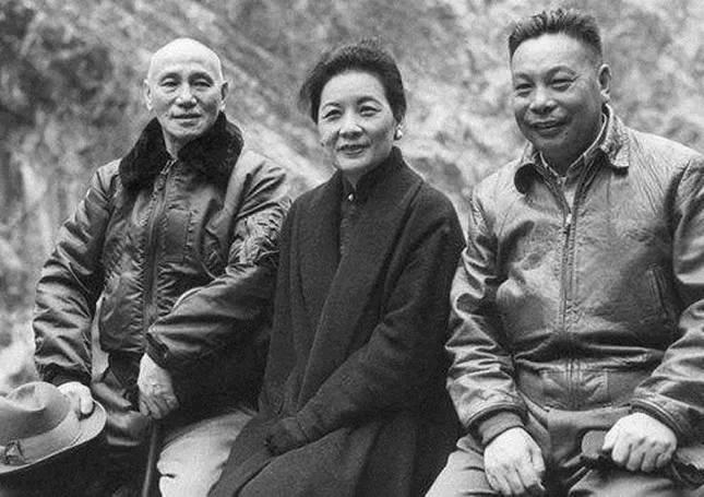 蒋介石西安事变时的三份遗嘱都写了什么?