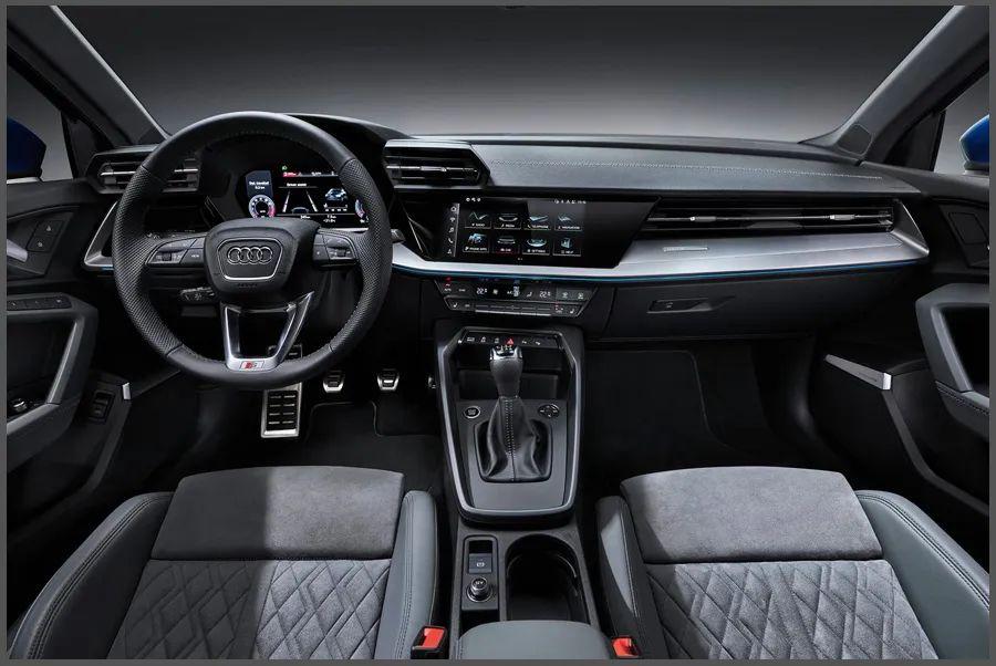 内饰方面,全新奥迪a3相比现款车型有着大幅度提升,层次分明的中控台
