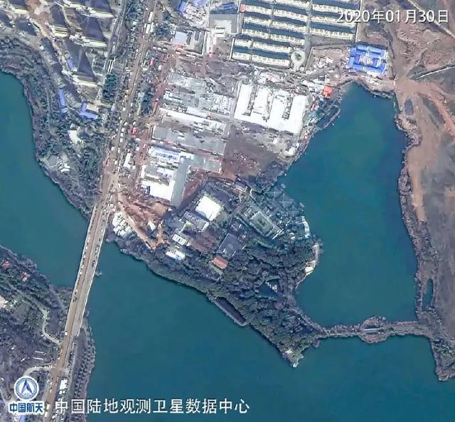是参照2003年抗击非典期间北京小汤山医院模式,在武汉职工疗养院建设图片