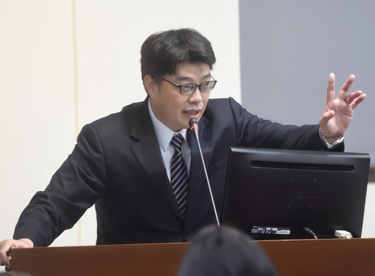 """【链接是什么】_曲解《港区国安法》,台陆委会对台湾民众渲染""""因言获罪"""""""