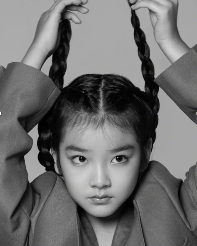 10岁童星资源堪比一线,出道5年合作影帝,登顶级杂志封面