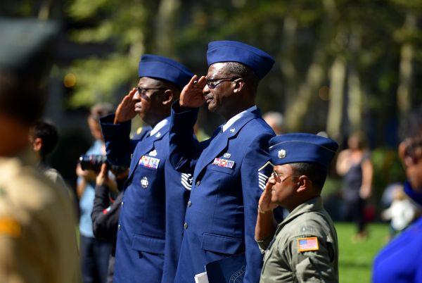 美空军废除飞行员身高限制 但种族差异待遇问题仍很严重