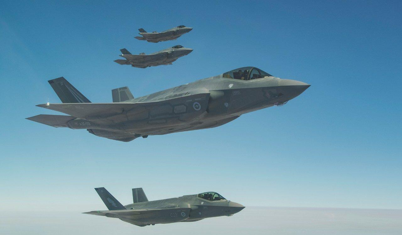 F-35戰斗機多機編隊飛行