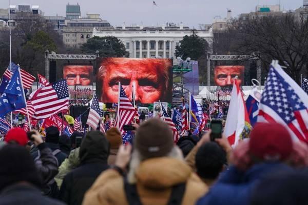 """美國會暴徒為""""自保"""",矛頭直指特朗普"""