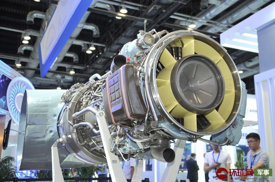 2019年9月18日,AI-136T重型直升機發動機首次在中國展出,亮相第十八屆北京國際航空展。該發動機可滿足重型直升機的動力需求。楊鐵虎 攝