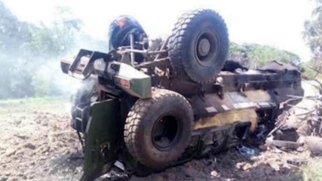 中国防雷车在非遭60斤炸药炸翻 士兵安然无恙