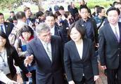 民进党肆无忌惮释出利多,滥权自肥!把台湾后代的钱都吃光了