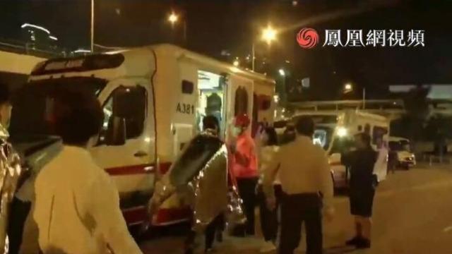 再有约30名香港暴徒从理大离开 仍有人拒绝离开