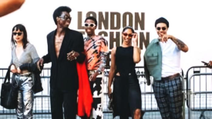 伦敦时装周首日街拍集锦