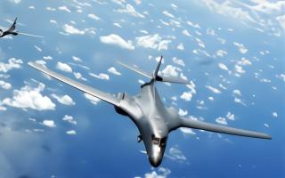 美军高官称美军机多次秘密飞越中国南海,中方:小心发生不测