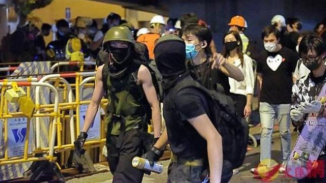 美学者:美国不要再向香港暴徒释放错误信号了!