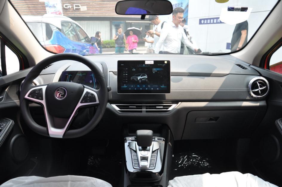 全新元EV360正式上市 售价10.58-10.98万