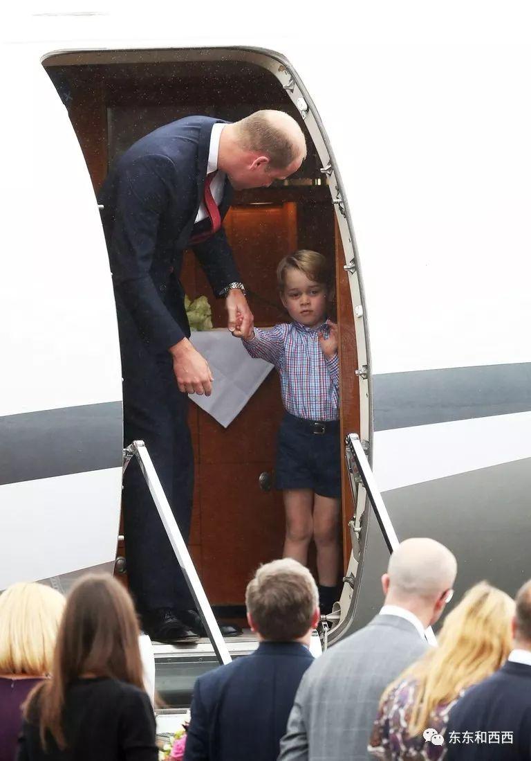 """英国未来国王也太萌了吧,但碰到""""鸡血妈妈""""也会发愁…"""