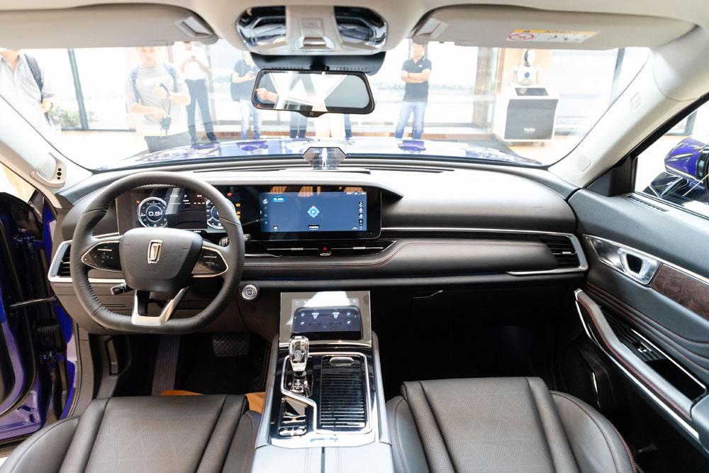 奔腾T99外形、内饰曝光国产旗舰SUV又一力作