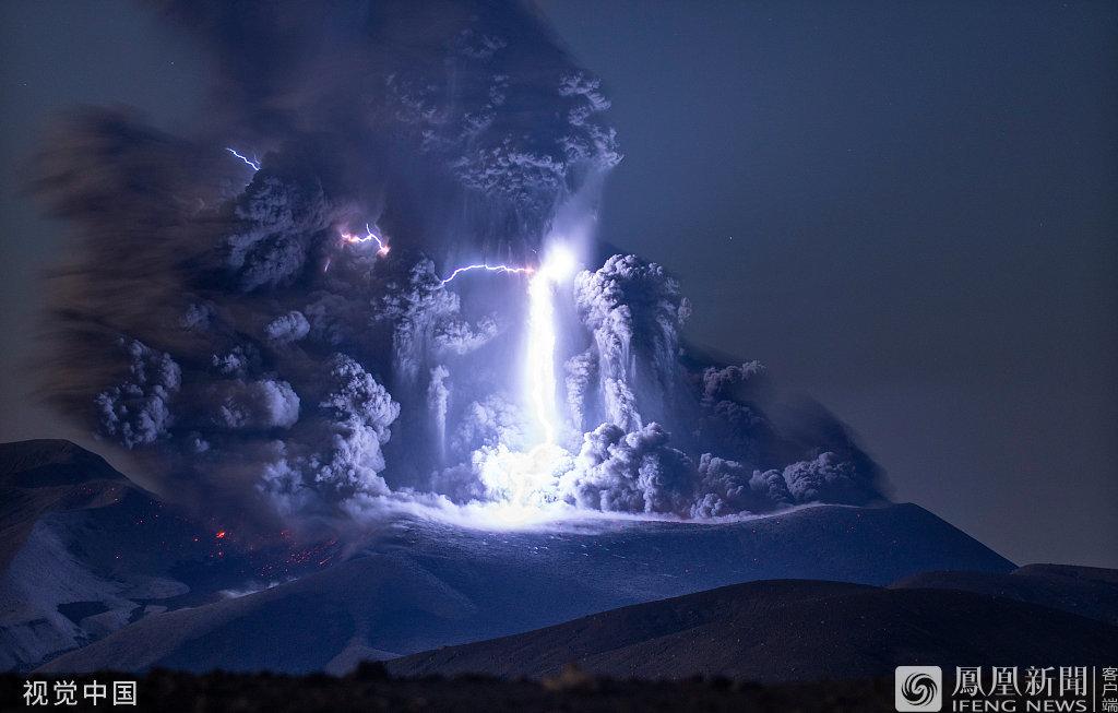 闪电击中火山瞬间图片 火山为什么会有闪电