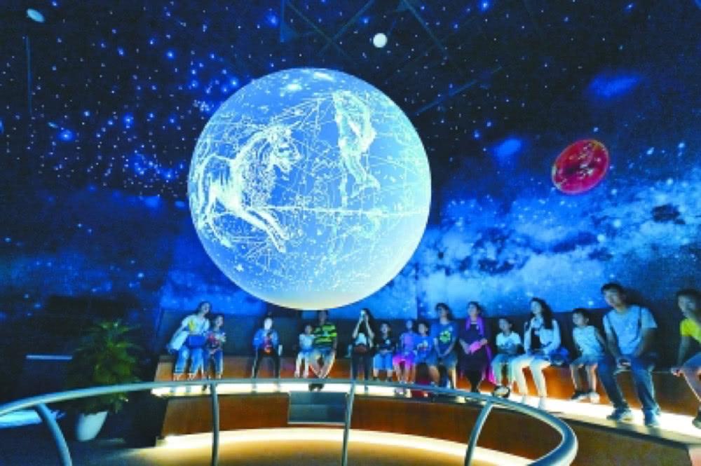 """北京科学嘉年华今日开幕,体验站在""""地球""""前目睹大气风暴奇观"""