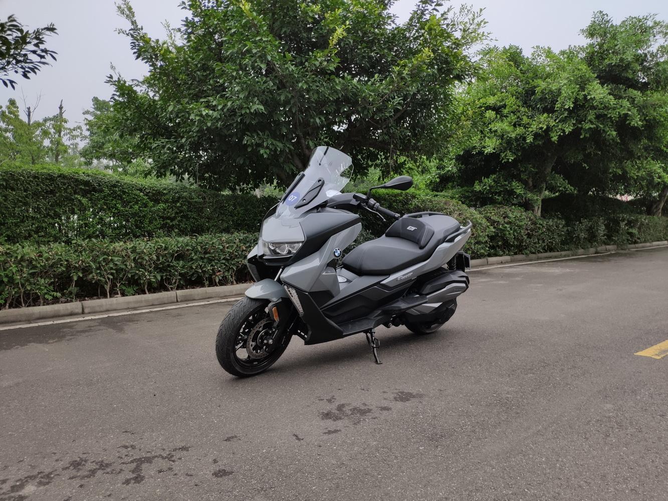 宝马C400GT摩托车上市售8.29万元