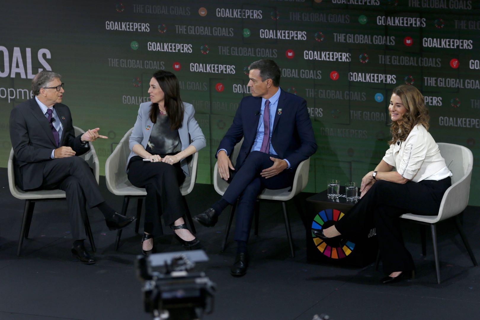 如何缩小全球不平等差距?比尔·盖茨夫妇请来了新西兰总理与西班牙首相