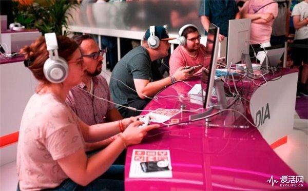 AI最先取代的不是生产力工种,而是玩游戏的人
