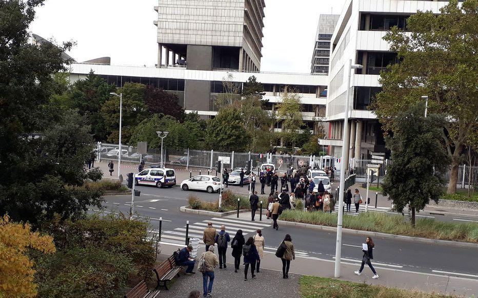 """虚惊!巴黎一法院遭""""诈弹""""威胁 约300人紧急撤离中国移动5g合作伙伴数"""