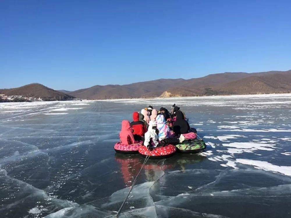 苍井空乡野小�_正文  ||雪圈漂移-惊险刺激的冬季限定游戏 镜泊湖婉如一颗璀夺目的