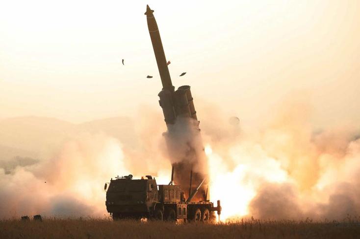 """朝鲜宣布成功试射超大型火箭炮 金正恩""""极大满意"""""""