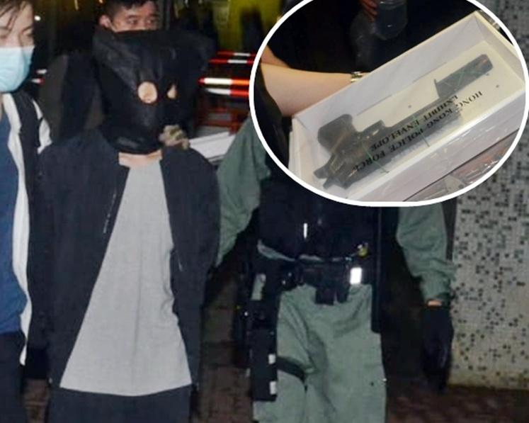 港警捣破武器库拘4人 检获大批弹药及疑似手枪